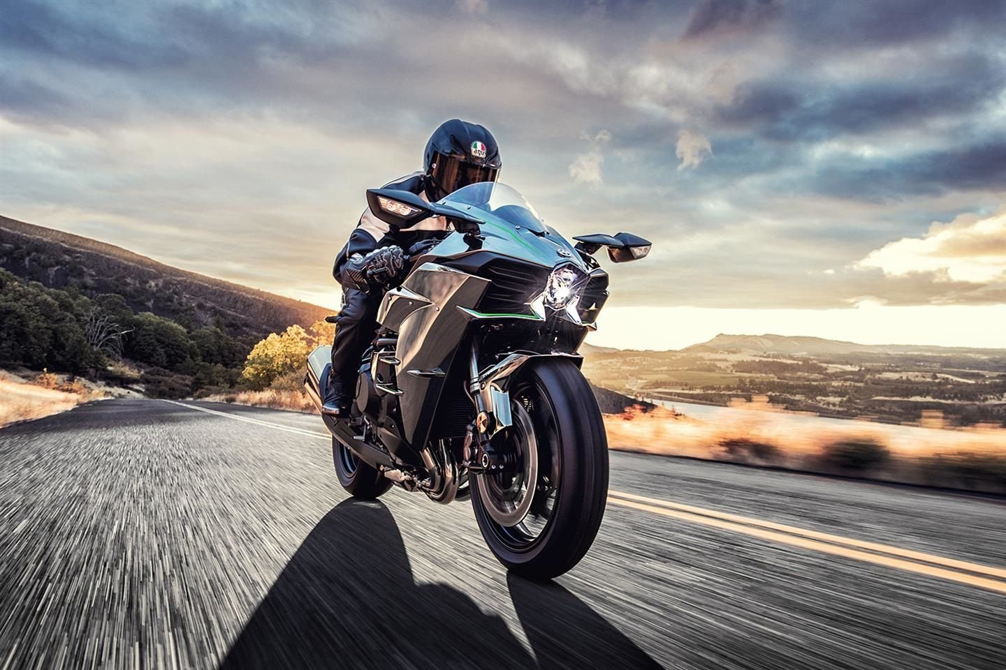 10 Sportbikes Everyone Should Ride At Least Once