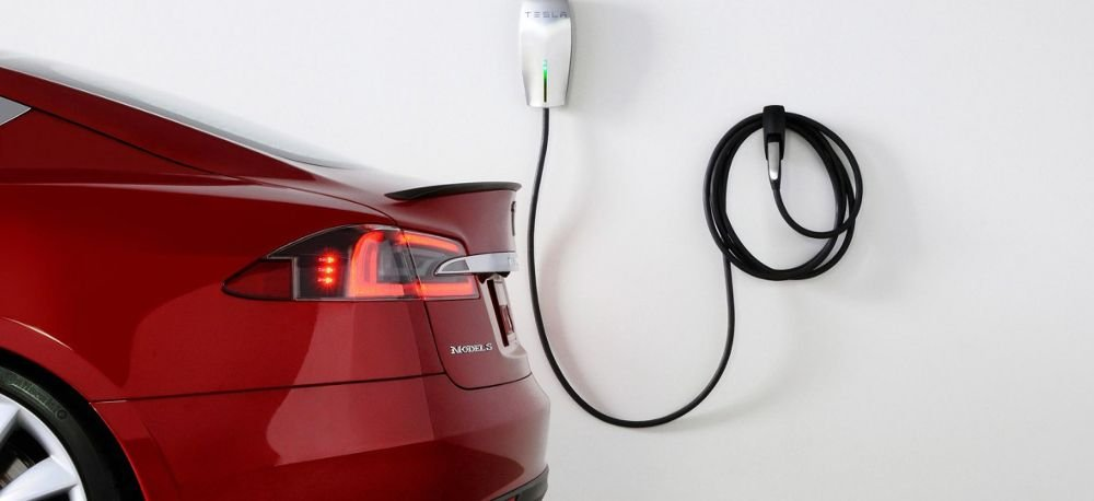 This Is How Much It Costs To Charge a Tesla