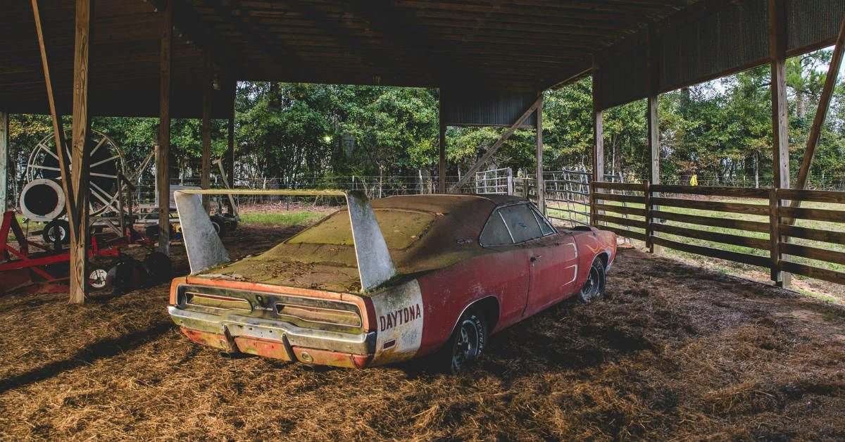 5 Stunning American Muscle Car Barn Finds (5 European Sports Car Barn Finds We'd Rather Stumble Upon)