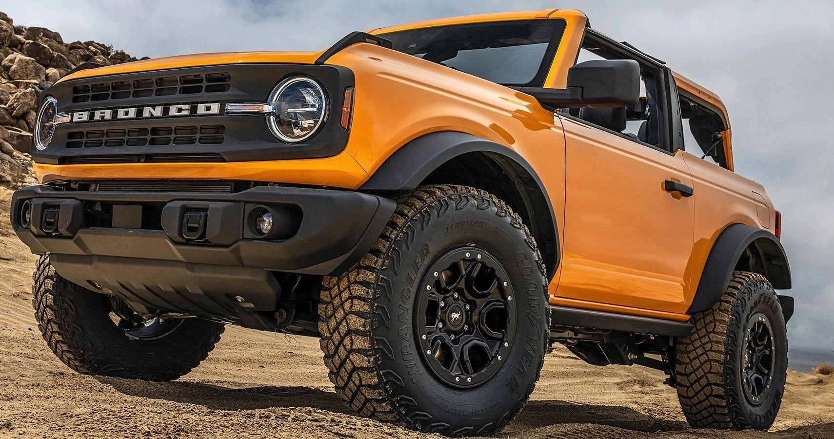 Ford Goes Wrangler Hunting With 2021 Bronco Sasquatch