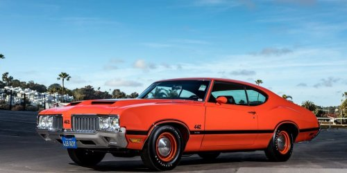 10 Defunct Car Brands And Why They Died