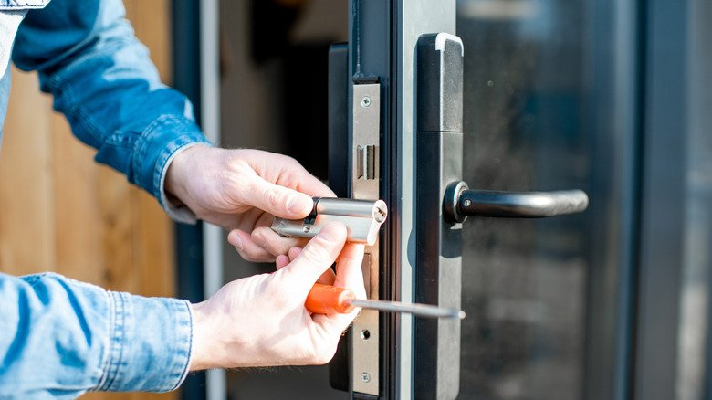 Mistakes Everyone Makes When Installing Locks