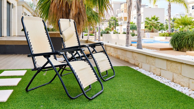 The Surprising Reason Artificial Lawn Might Not Be The Best Choice After All