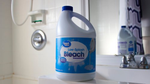 8 Genius Ways To Clean Your Bathroom With Bleach