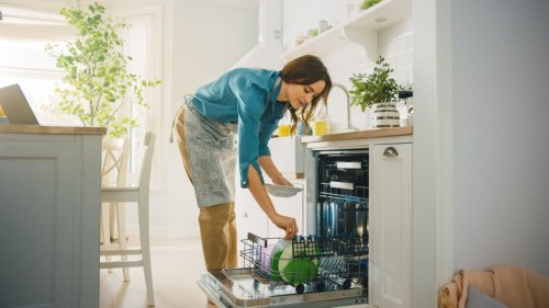 Should You Be Home When Maids Come To Clean Your Home?