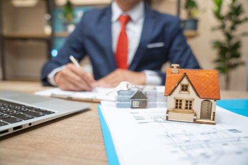 Volume-hungry mortgage lenders loosen credit standards