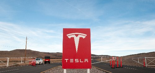 NLRB finds Tesla labor violations, orders Musk to delete 2018 tweet