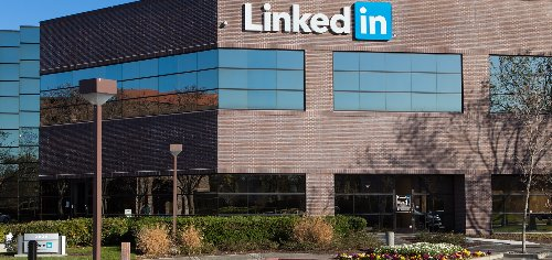 LinkedIn to add 'stay-at-home parent,' other titles for users who left workforce