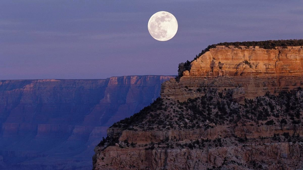 Can You Watch the Sunset and Moonrise at the Same Time?