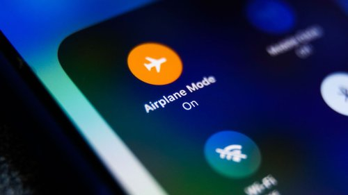 Why You Still Can't Make a Cellphone Call on a Flight