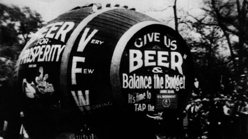 When Doctors 'Prescribed' Alcohol During Prohibition and More Ridiculous History