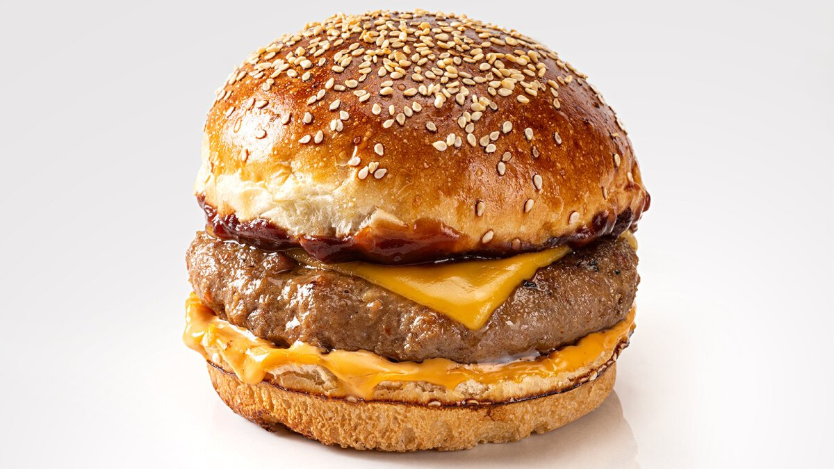 6 Cheesy Facts About Cheeseburgers — Plus More Tasty Tidbits on Burgers