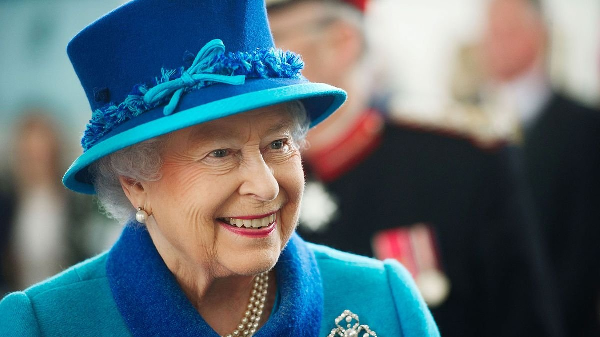 How Much Power Does Queen Elizabeth Really Have?