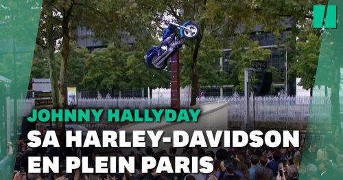 Voici à quoi ressemble la statue hommage à Johnny Hallyday devant Bercy