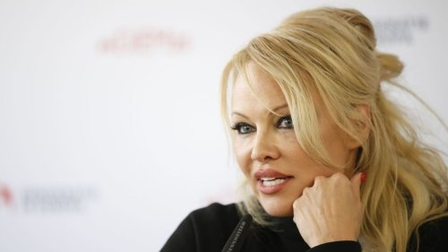 Pamela Anderson Ditches Malibu Home To Move Back To Canada