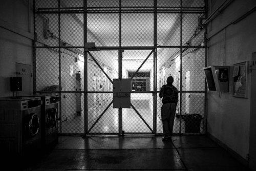 Substituer la prison à l'hôpital psychiatrique, une histoire de dingue