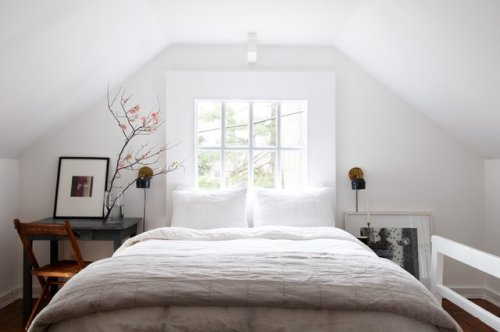 8 Small Farmhouse Bedroom Ideas That Don't Sacrifice Style for Space | Hunker