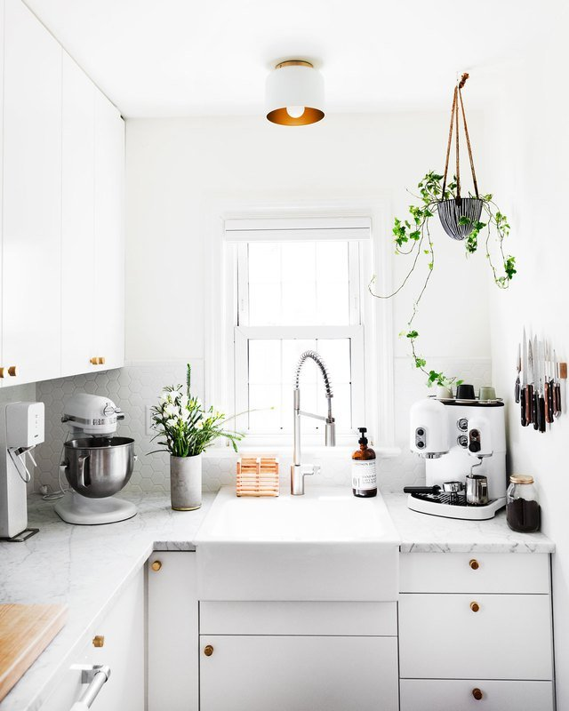 14 Ways to Update an Ugly Rental Kitchen | Hunker