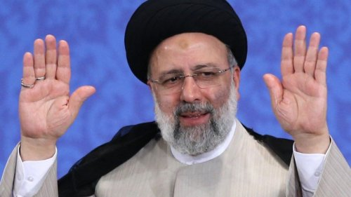 Iran's Ebrahim Raisi begins presidency as crisis grips Persian Gulf