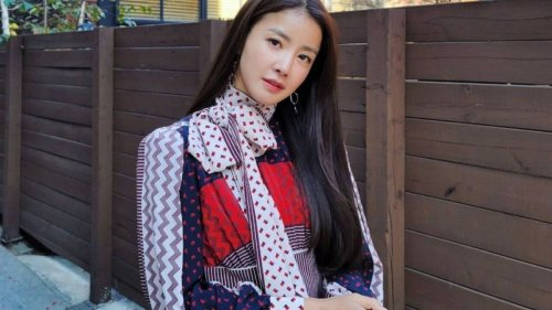 How does Lee Si-young, diva of Netflix's Sweet Home, spend her money? The K-drama star, TikTok legend and former amateur boxer loves bags from Chanel, Gucci and Dior