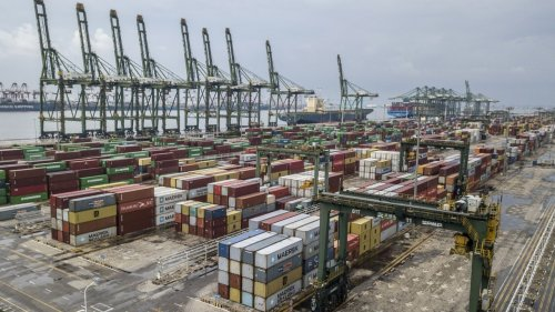 China formally applies to join Pacific Rim trade pact abandoned by the US