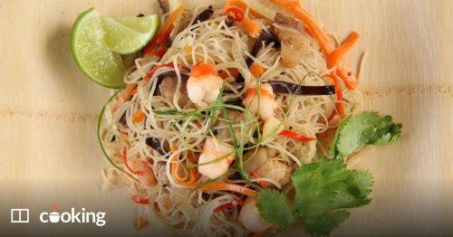Stir-fried rice vermicelli with shrimp, pork and shrimp paste recipe