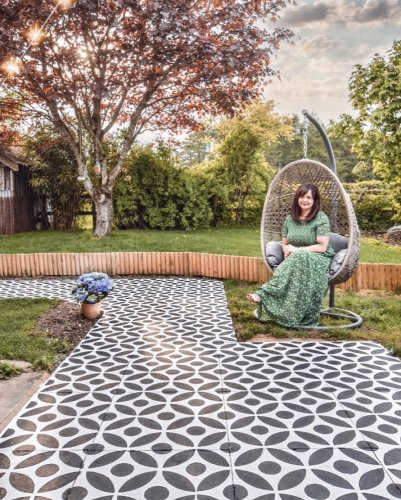 How to stencil a concrete patio or path in your garden... - I am Hayley Stuart