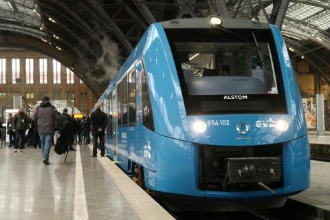 French Rail Company Orders 12 Hydrogen Trains