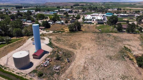 Small Boise-area town OKs emergency moratorium to halt growth. This is why