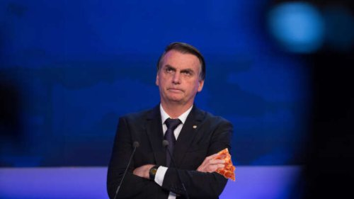 Brazil's Anti-Vax President Forced To Eat Pizza On NYC Sidewalk Due To COVID-19 Rules