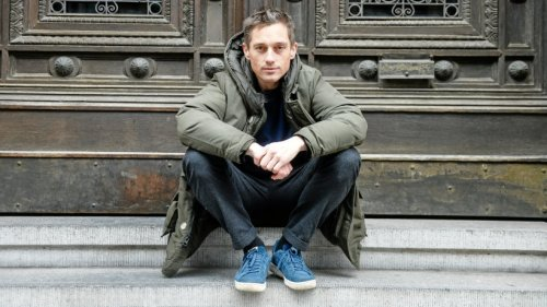 "Volker Bruch: ""Babylon Berlin""-Star demonstrierte bei ""Querdenker""-Demo"