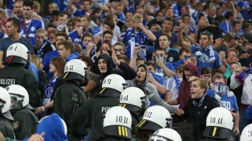 Schalke mit Risikospiel: Das müssen die Fans in Rostock beachten