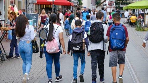 Corona: Darum infizieren sich immer mehr junge Menschen
