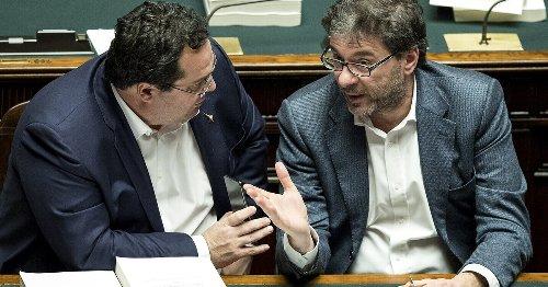 La faida tra Giorgetti e Durigon. Così Alitalia spacca la Lega.