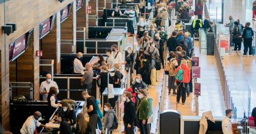 Warum Passagiere am Flughafen BER auch künftig lange warten müssen
