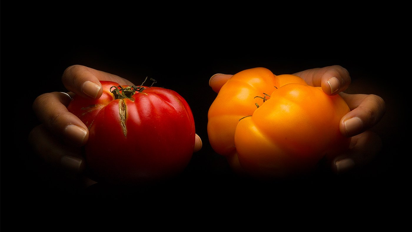 The Right Way To Pick A Perfectly Ripe Tomato