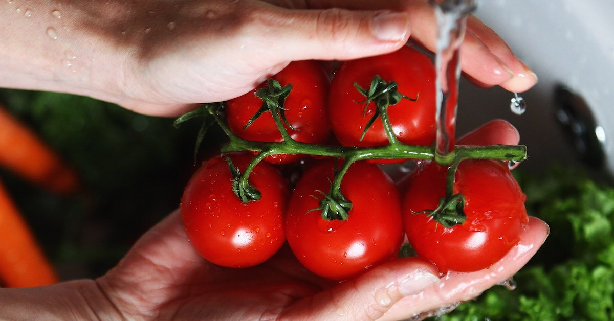 Read This Before Washing Your Vegetables