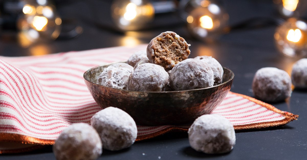 No-Bake Rum Balls Will Be Your New Go-To
