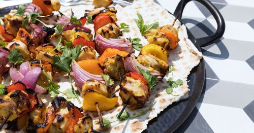 The Most Flavorful Chicken And Veggie Kebabs You'll Ever Have