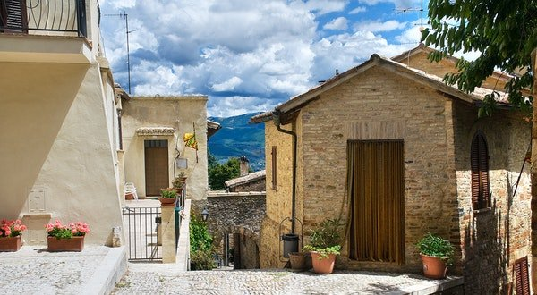 Must-Visit Small Wine Towns in Italy