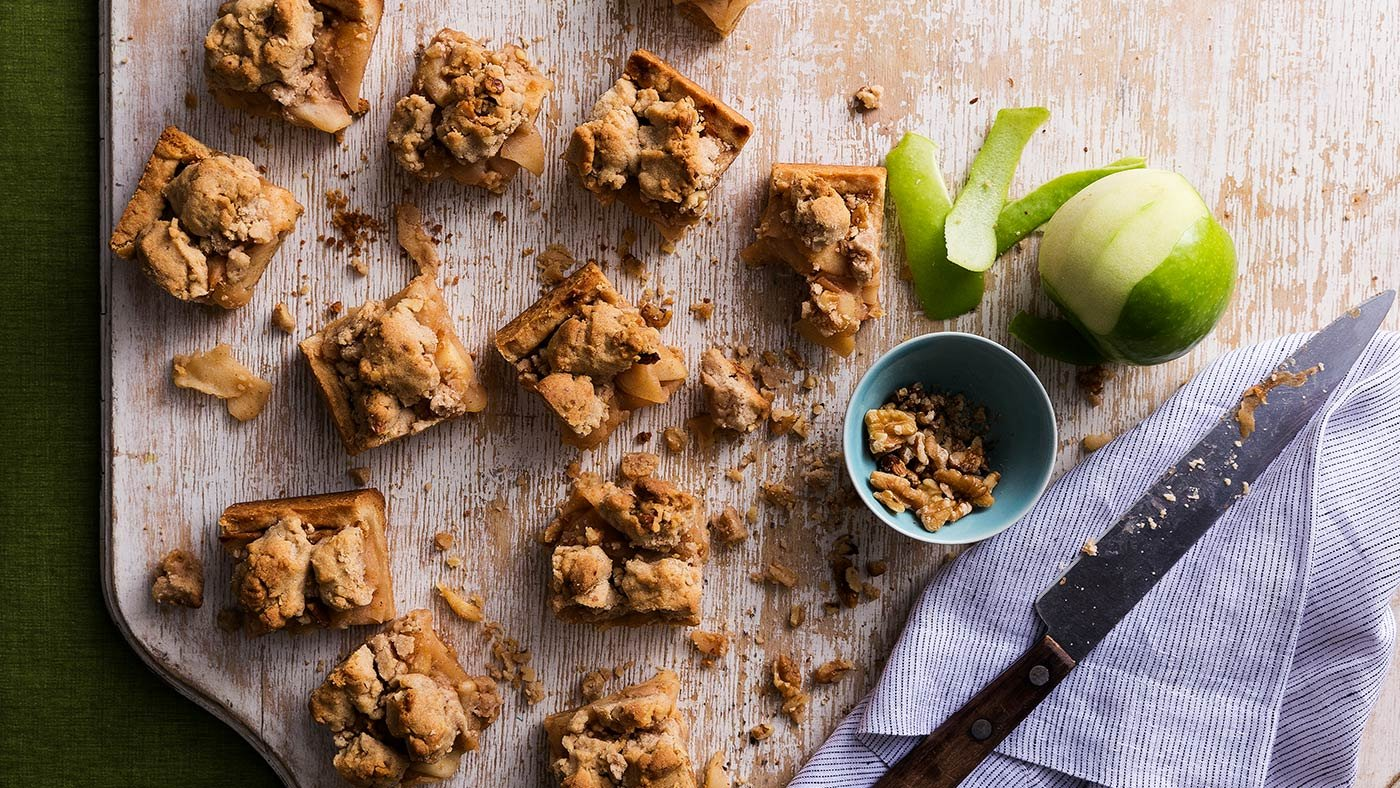 Ina Garten's Apple Pie Bars Are Out Of This World