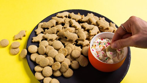 Homemade Dunkaroos  & Dip Are The Perfect Throwback Snack