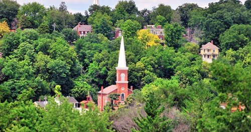 The 10 Most Charming Small Towns in Illinois