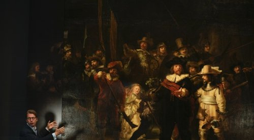 """Rembrandt's """"Night Watch"""" Finally Displayed How It's Meant to Be Seen"""