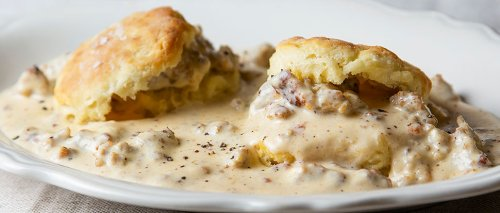 How to Make Biscuits and Sausage Gravy at Home