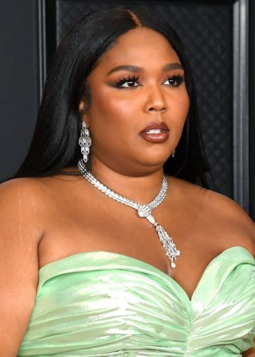 Lizzo Fans Say She 'Gave Up On Chris Evans'
