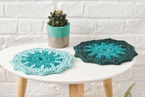 17. Free crochet table mat pattern