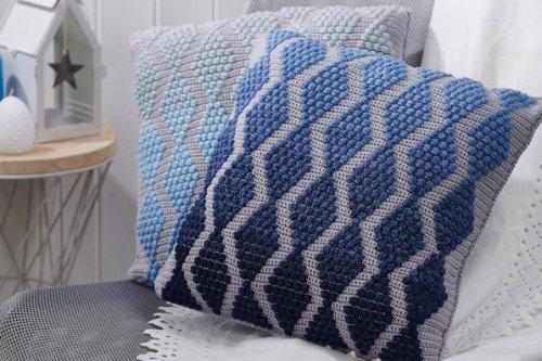 Bobble cushions crochet pattern – fade to grey.