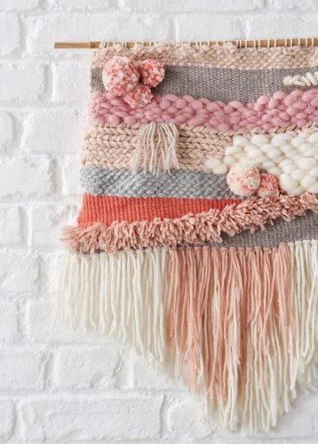16. How to make a woven wall hanging and weaving loom