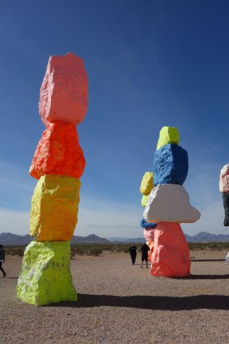 Fotopoint - Seven Magic Mountains - Immer auf Reisen